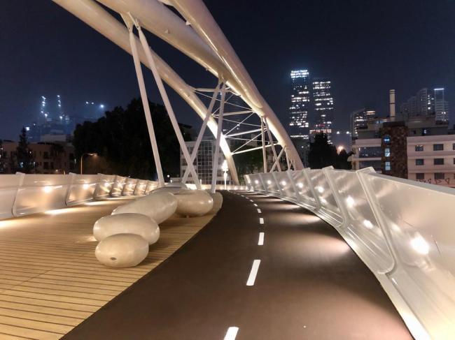 בניית גשר יהודית